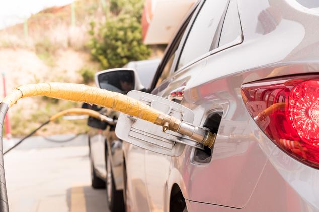Plein de carburant pour véhicule GPL