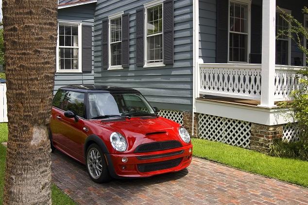 Une voiture mini